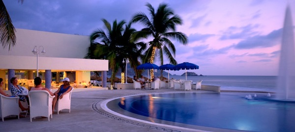 Beachfront pool in Ixtapa